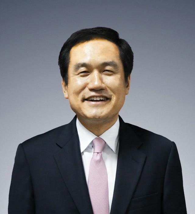 회록서기 백용석 목사(강남교회).jpg